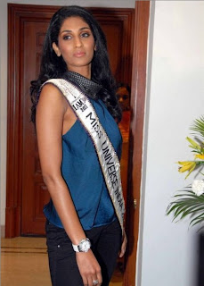 Miss Universe India 2011 Vasuki Sunkavalli @ Hyd (Gallery) | powered by www.HeyANDHRA.in